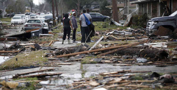 Sept paroisses auraient été frappées par des tornades à travers le sud-est de la Louisiane d'après le gouverneur de l'Etat,John Bel Edwards, qui a proclamé l'état d'urgence.