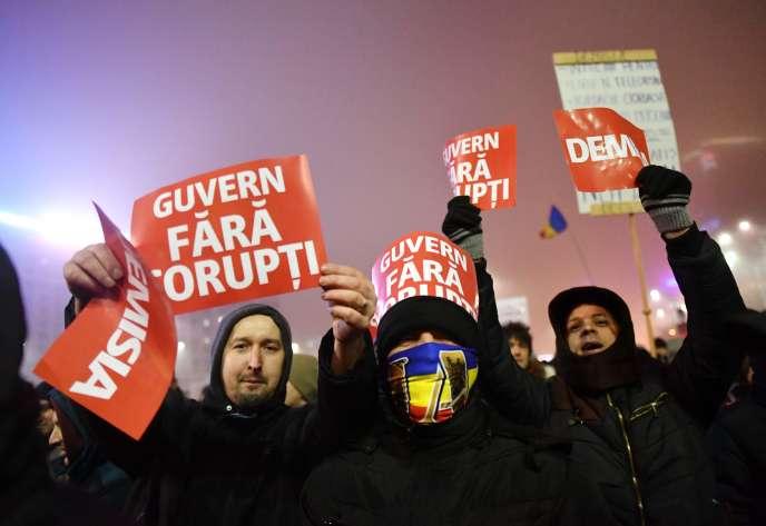 Manifestation contre le gouvernement à Bucarest, le 6 février.