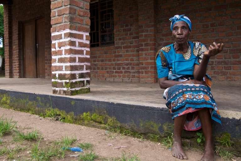 Esitele Paulo, coorganisatrice d'un des camps d'initiation sexuelle du district de Mulanje, dans le sud du Malawi.