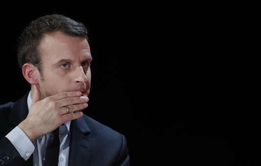 Emmanuel Macron à Courbevoie, le 31 janvier.