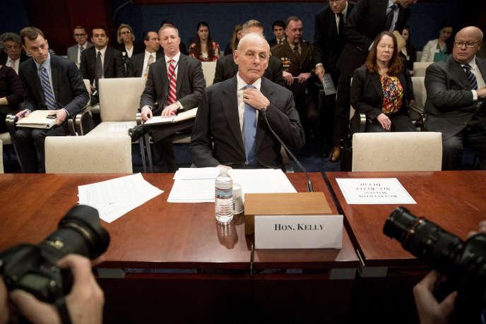 Le secrétaire à la sécurité intérieure, John Kelly, se prépare à témoigner devant le Congrès des États-Unisà Washington, le mardi 7 février.