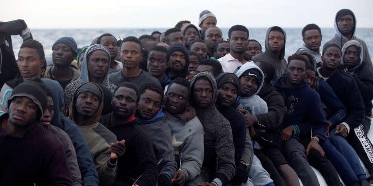 Migrants au large de la côte libyenne, le 3 février 2017.