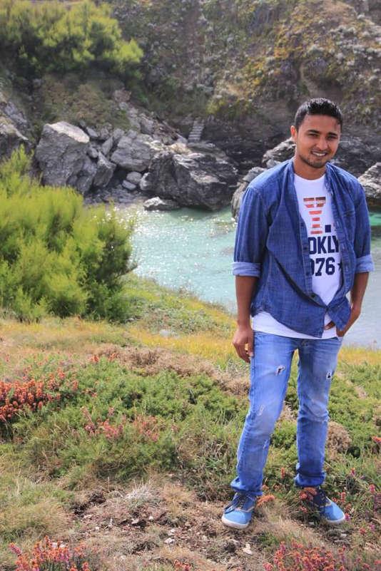 Shammas a quitté le Pakistan à l'âge de 15 ans, en 2008. Son périple vers l'Europe s'est achevé à Vendôme (Loir-et-Cher) en 2013.