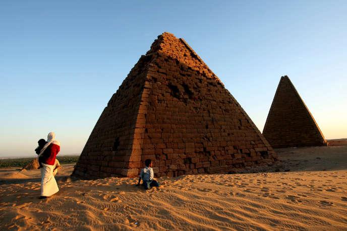 Les pyramides royales nubiennes, à 500 kilomètres au nord de Khartoum, au Soudan. Les découvertes de l'archéologue Charles Bonnet, 83 ans, ont été faites dans cette région du Soudan.