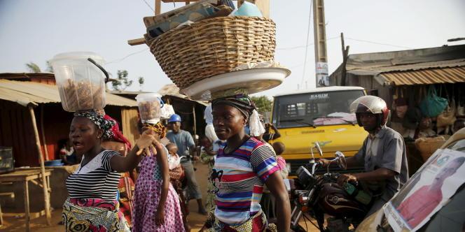 Dans une rue de Cotonou, en mars 2016.