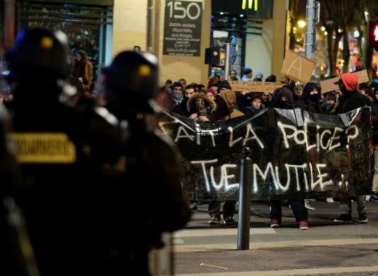 Manifestation à Marseille le 10 fevrier en réaction à l'interpellation brutale de Théo L.