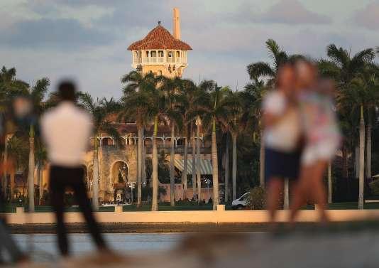 La résidence de Mar-a-Lago, à Palm Beach, en Floride, est moins une maison présidentielle secondaire qu'un mélange de club de vacances et de complexe hôtelier.