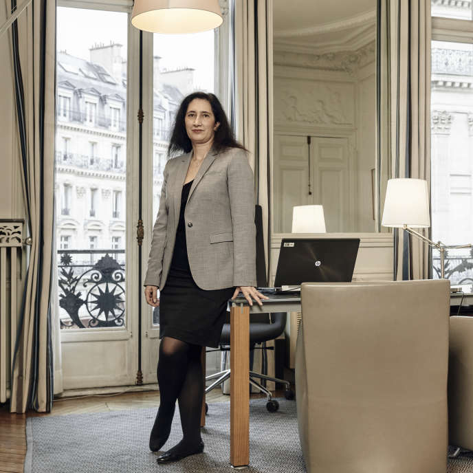 Isabelle de Silva, présidente de l'autorité de la concurrence dans son bureau.