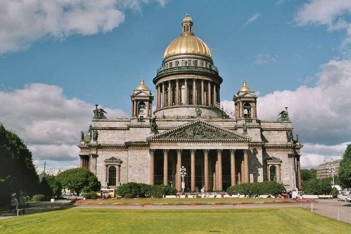 La cathédrale Saint-Isaac, à Saint-Pétersbourg, transformée en musée depuis 1931, sera restituée à l'Eglise orthodoxe.