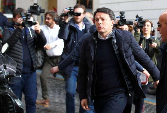 «Je pense qu'il relève du bon sens d'accepter l'idée de la tenue d'un congrès avant des élections nationales», a dit Renzi lors d'une réunion de la direction du parti.