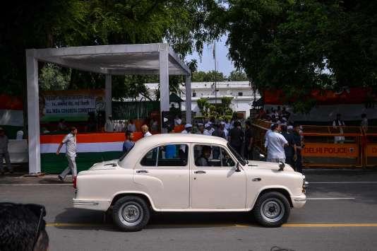 Héritage britannique, l'Ambassador n'est plus produite par le constructeur indien depuis 2014.