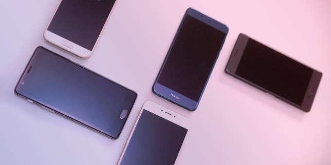 comparatif cinq smartphones haut de gamme 400 euros. Black Bedroom Furniture Sets. Home Design Ideas