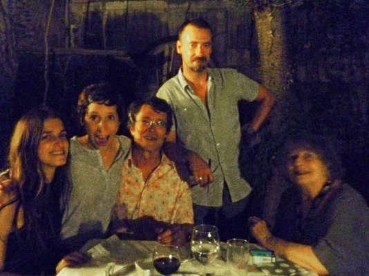 Luce Vigo (à droite) en 2012, accompagnée des membres du jury qu'elle présidait: Joana Preiss, Marie Losier, Brice Matthieussent et Jean-Charles Hue.