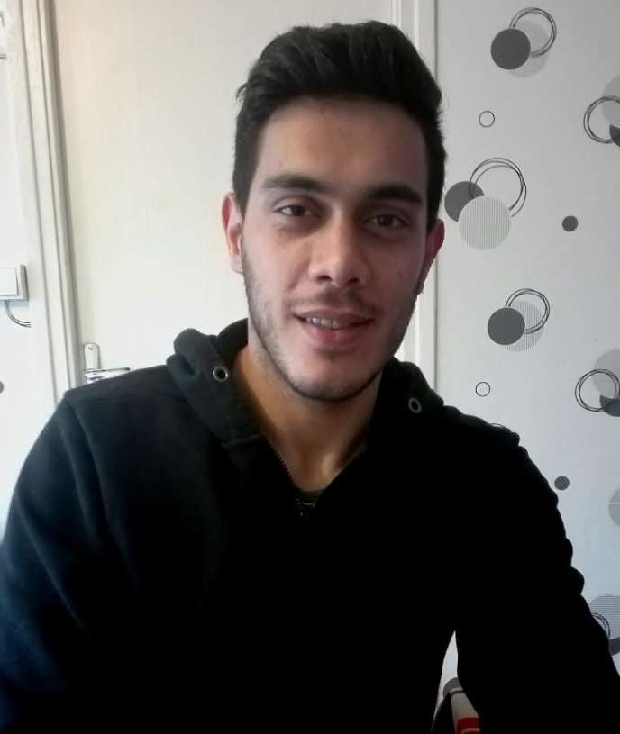 A Epinal (Vosges), Ammar travaille désormais dans une usine, en attendant de pouvoir reprendre ses études.