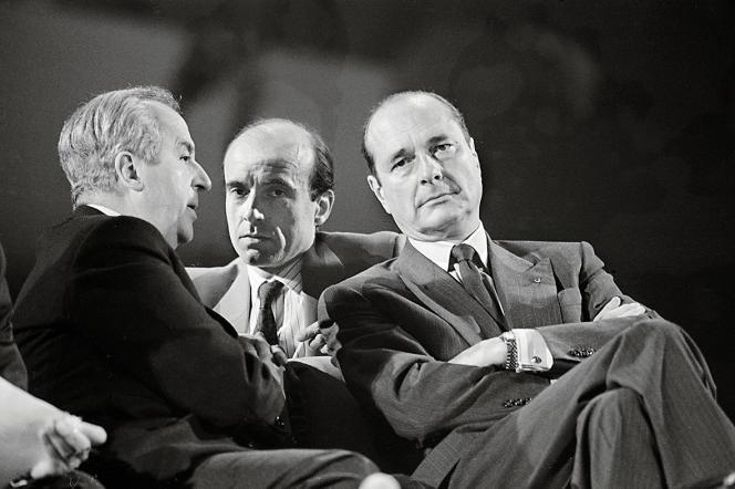 Jacques Chirac avec Edouard Balladur et Alain Juppé en 1987. Il est alors premier ministre de François Mitterrand pendant la cohabitation 1986-1988.