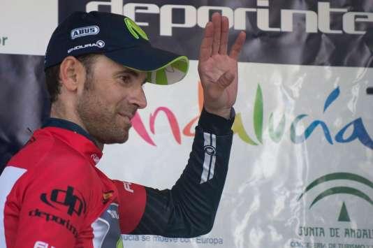 Alejandro Valverde a remporté pour la cinquième fois le Tour d'Andalousie, atteignant ainsi le total de 100 victoires professionnelles.