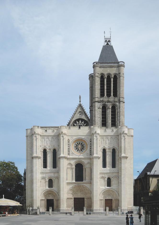 La basilique de Saint-Denis dans son état actuel, sans sa flèche démontée en 1847.