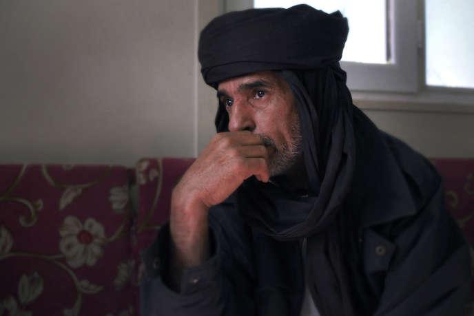 Moktar Al-Akhdar, à la tête de sa brigade, avait pris le contrôle de l'aéroport de Tripoli lors la révolution de 2011. Ici, chez lui, à Zinten, le 20 janvier 2017.