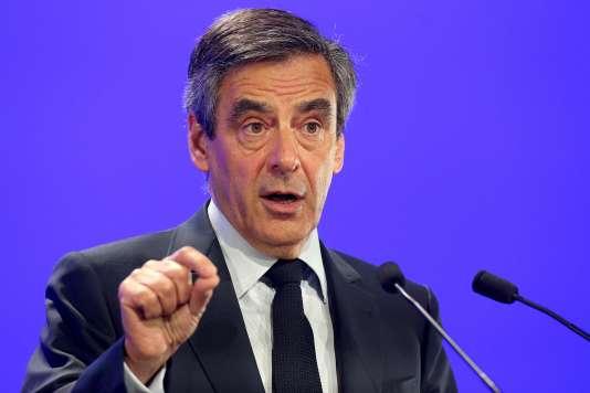 François Fillon lors d'un meeting à Compiègne, le 15 février 2017.