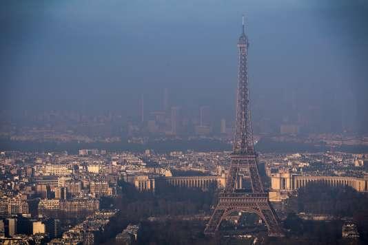 Paris est régulièrement touché par des pics de pollution.