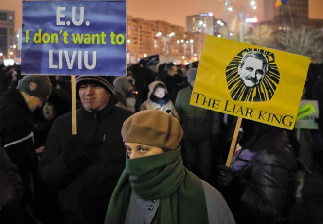 Jeux de mots en« anglo-roumain» pour se moquer deLiviu Dragnea, le chef du Parti social-démocrate, condamné en 2016à deux ans de prison avec sursis pour fraude électorale.