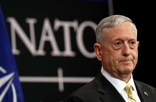 « La question avec la Russie, c'est qu'ils doivent se conformer au droit international comme on l'attend de toute nation raisonnable sur cette planète», a déclaré James Mattis.