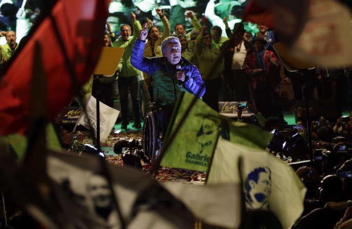 Lenin Moreno, candidat à la présidentielle soutenu par Rafael Correa, mercredi 15 février, à Quito.