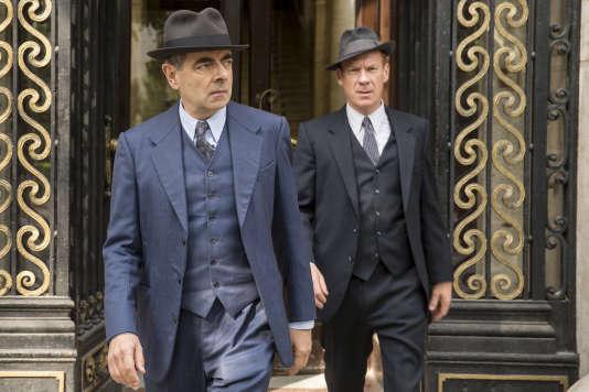 Rowan Atkinson (Jules Maigret) et Shaun Dingwall (Janvier).