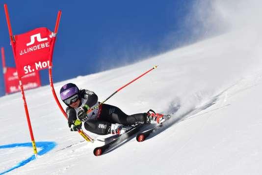 Tessa Worley a dominé la première manche du géant des championnats du monde, à Saint-Moritz, en Suisse.