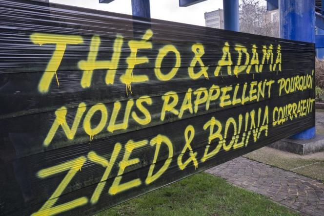 A Bobigny (Seine-Saint-Denis), en février. Les récentes affaires de violences policières rappellent la mort de Zyed Benna et Bouna Traoré, électrocutés en2005 en tentant de fuir la police.