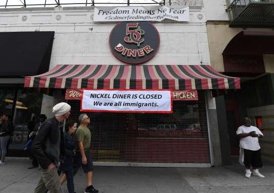 Le restaurant Nickel Diner fermé pour participer à la« journée sans immigrés » à Los Angeles, le 16 février.