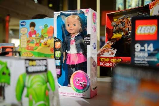 Une poupée Cayla dans un magasin de Londres, en novembre 2014.