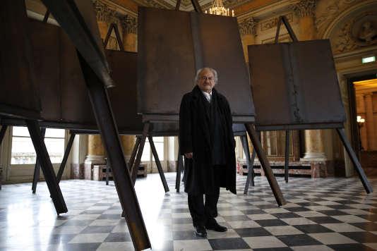 Le 8 mars 2016, lors de l'exposition « Brut(e)»à la Monnaie de Paris.