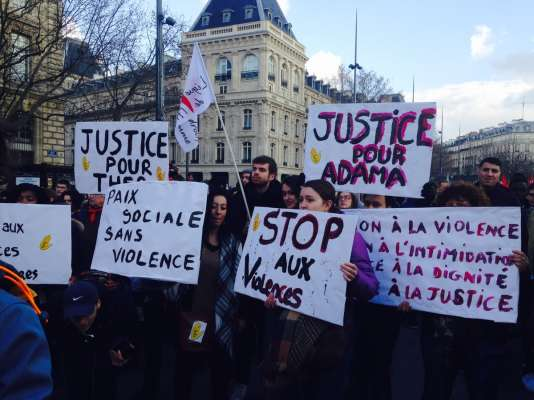 Manifestation contre les violences policières samedi 18 février place de la République à Paris.