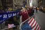 Des partisans du chef de l'Etat devant la Trump Tower, à New York, le 5 février.