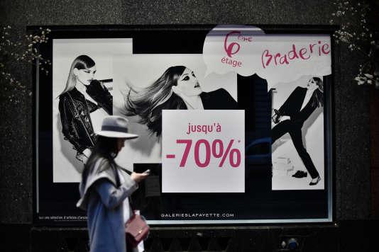64% des commerçants interrogés dans l'enquête publiée jeudi 16février par la Chambre de commerce et d'industrie de Paris Ile-de-France se déclarent déçus par les soldes.