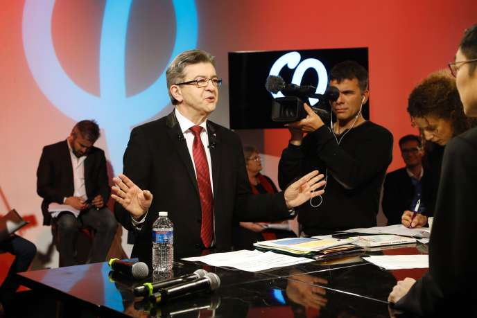 Jean-Luc Mélenchon a détaillé son programme économique lors d'une émission de plus de cinq heures, retransmise en direct sur YouTube dimanche 19février.