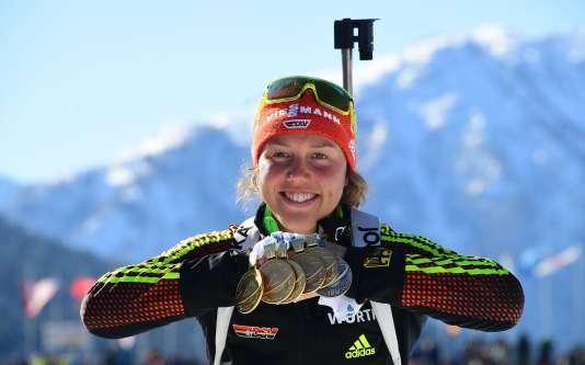 Cinq médailles et une de bronze : la moisson de Dahlmeier lors des Mondiaux de biathlon 2017.
