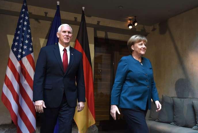 Le vice-président américain, Mike Pence, et la chancelière allemande, Angela Merkel, à la Conférence sur la sécurité de Munich, le 18 février.