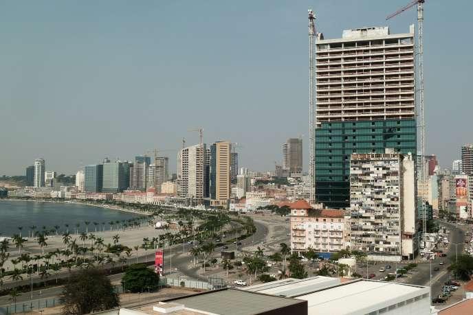 Vue de Luanda, la capitale de l'Angola. Le pays obtient une note supérieure à la moyenne du continent en termes d'appréciation du climat des affaires.