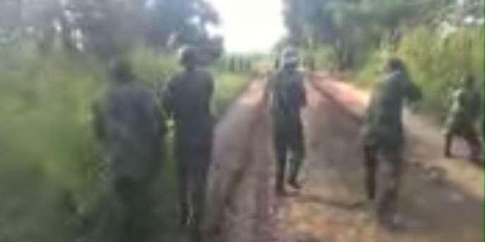 Capture d'écran de la vidéo, non datée, d'un massacre dans un village du Kasaï, au centre de la République démocratique du Congo (RDC).