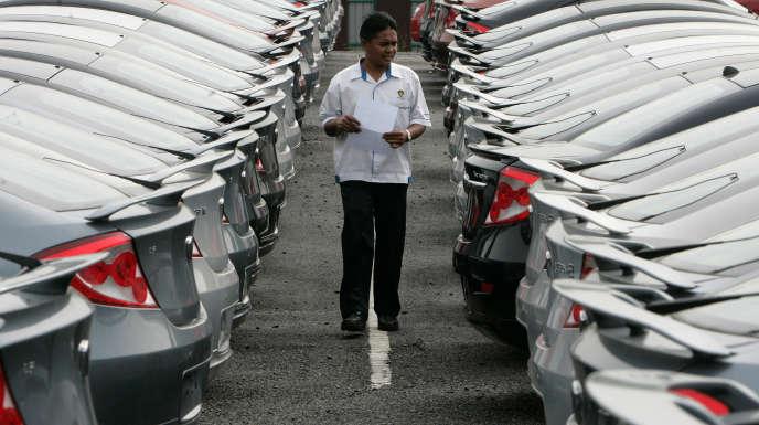 Automobiles de la marque malaise Proton, près de Kuala Lumpur.