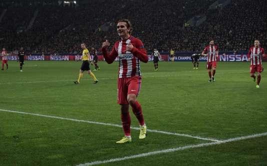 Antoine Griezmann célèbre son but face à Leverkusen, en huitième de finale de la Ligue des champions.