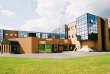 Les bâtiments vitrés de l'UTEC Marne-la-Vallée (Seine-et-Marne) abritent des formations allant du bac pro au master pro.