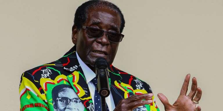 Le président du Zimbabwe, Robert Mugabe, s'exprime lors de la conférence annuelle de son parti, la ZANU-PF, le 17 décembre à Masvingo.