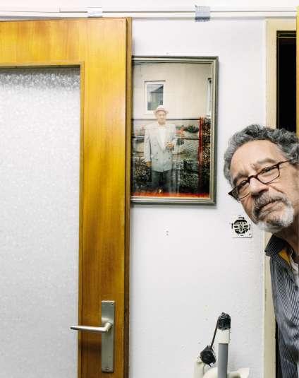 Hodja Stojka, fils de Ceija, reconnaît : « Moi, les tableaux ne m'ont jamais intéressé, je ne les ai jamais regardés.»
