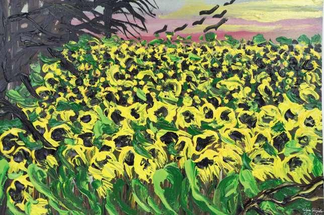 Des champs de tournesols, fleurs emblématiques des Tziganes. Dans le ciel, des corbeaux, symboles de mort mais aussi de liberté. En bas, accompagnant la signature, une branche, rappel des feuilles mangées par Ceija et sa mère pour survivre pendant leur déportation.