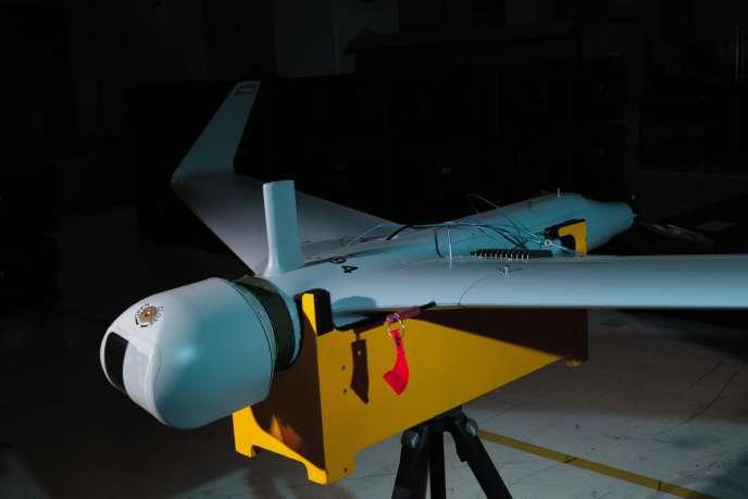 Drone Orbiter-2 dans l'usine Aeronautics Defense Systems, à Yavné, au sud de Tel-Aviv. L'engin,capable de repérer et de traquer une cible mobile, a été acheté par une trentaine de pays.