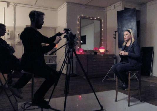 Dounia Bouzar lors de l'enregistrement d'une vidéo pour son site Internet, en février.