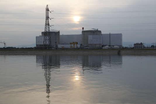 Vue de la plus ancienne centrale nucléaire française d'EDF, à Fessenheim, près de Colmar, le 5 septembre 2012.